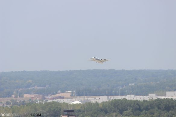 PLANE TAKING OFF FROM DOWNTOWN AIRPORT(20)