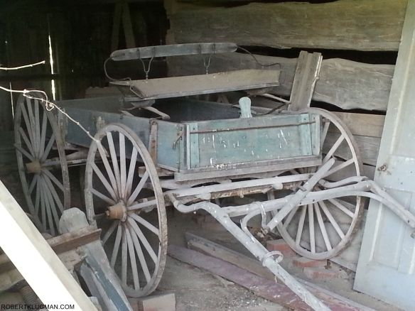 OLD HORSE DRAWN CARRIAGE (2)